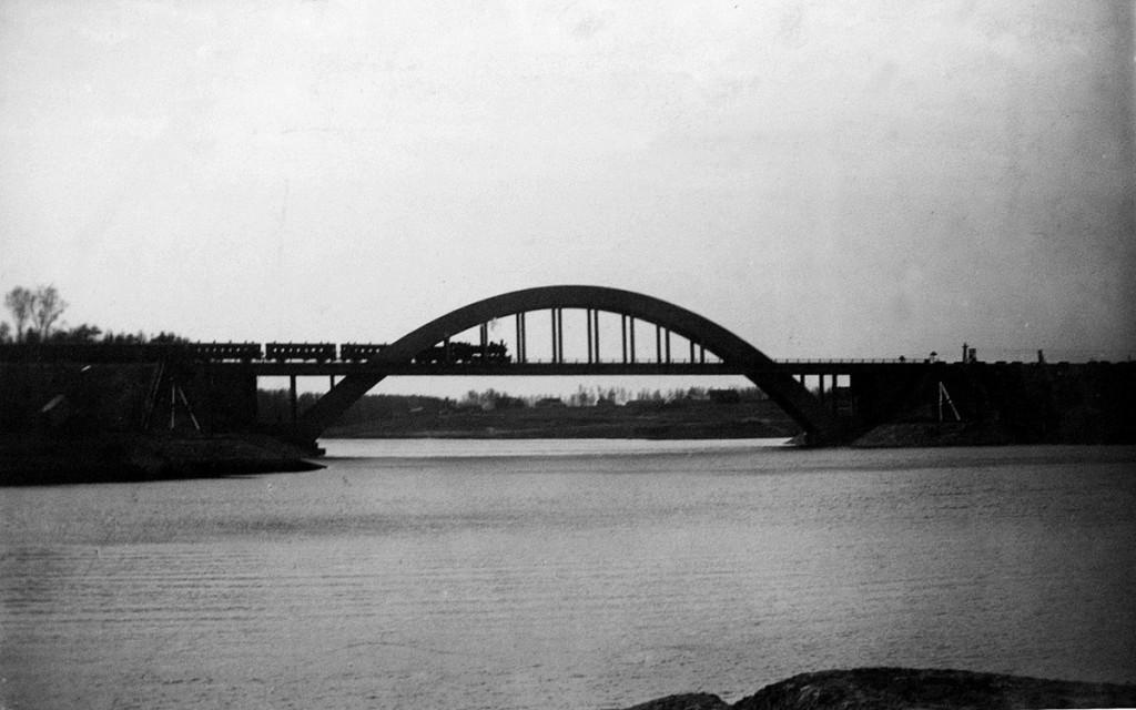 Новый ЖД мост Ленинградской дороги