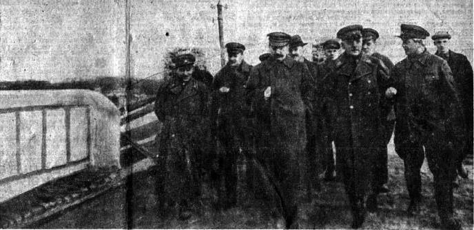 1937-04-22 Шлюз 3 Сталин Молотов Ворошилов Ежов. Фото Ф.Кислова