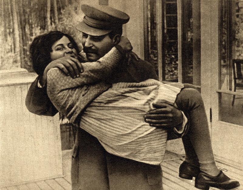 1935 Сталин с дочерью Светланой - 1