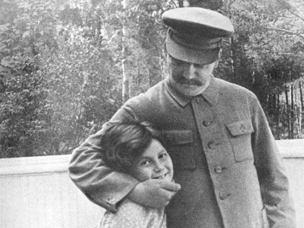 1935 Сталин с дочерью Светланой - 3