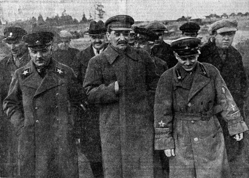 1937-04-22 Ворошилов Молотов Сталин Ежов на Строительстве канала Москва-Волга. Фото Н.Власика.