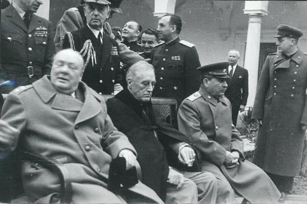 """1945-02 Черчилль, Рузвельт и Сталин. Ялта. Фото Н. Власика. Предоставлено Центром по связям с прессой и общественностью ФСО России для """"Российской Газеты""""."""