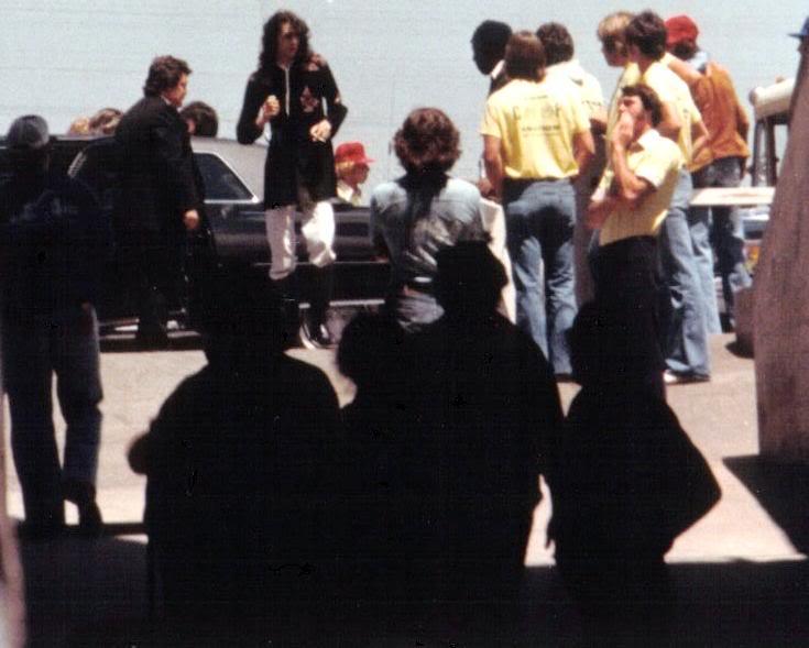00 1977-07-24_JP_Oakland_Coliseum-17