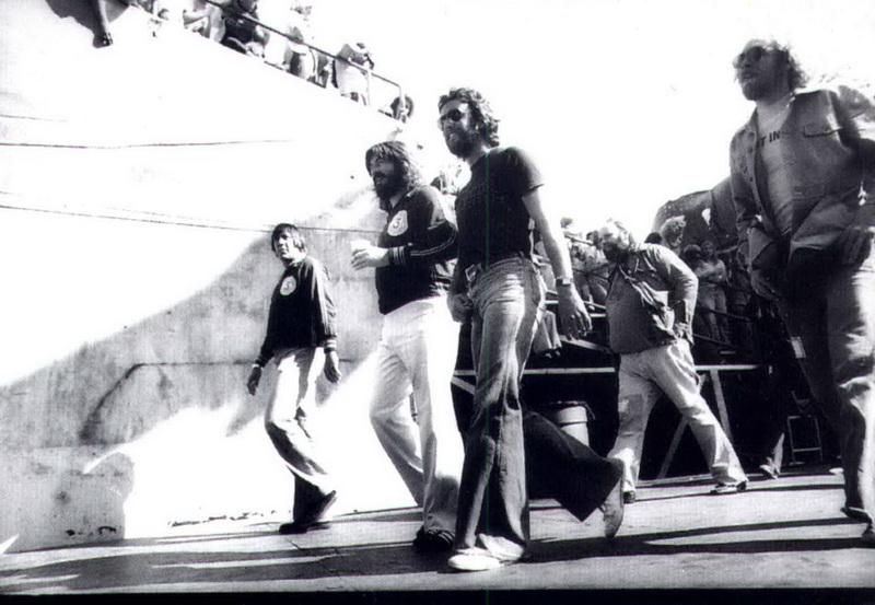 02 1977-07-24_JB_Benji_Le_Fevre_PG_Oakland_Coliseum_by_Michael_Zagaris-01