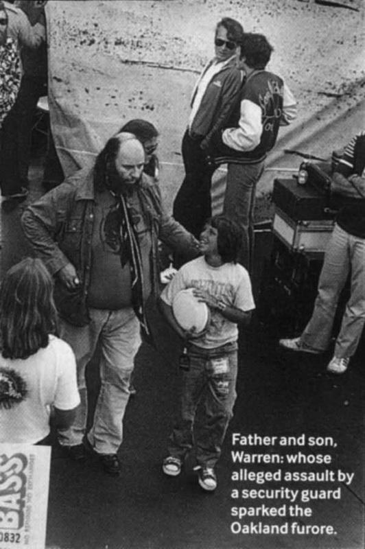 04 1977-07-24_PG_with_son_Warren_Oakland_Coliseum_by_Michael_Zagaris-01