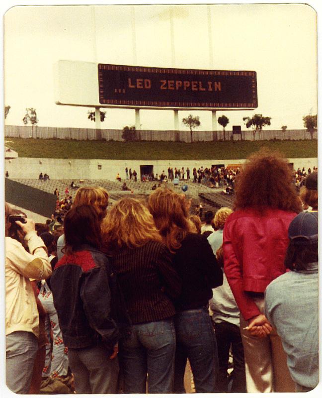 Led Zeppelin, Oakland California. Foto by Steven Crozier 24 July 1977 11