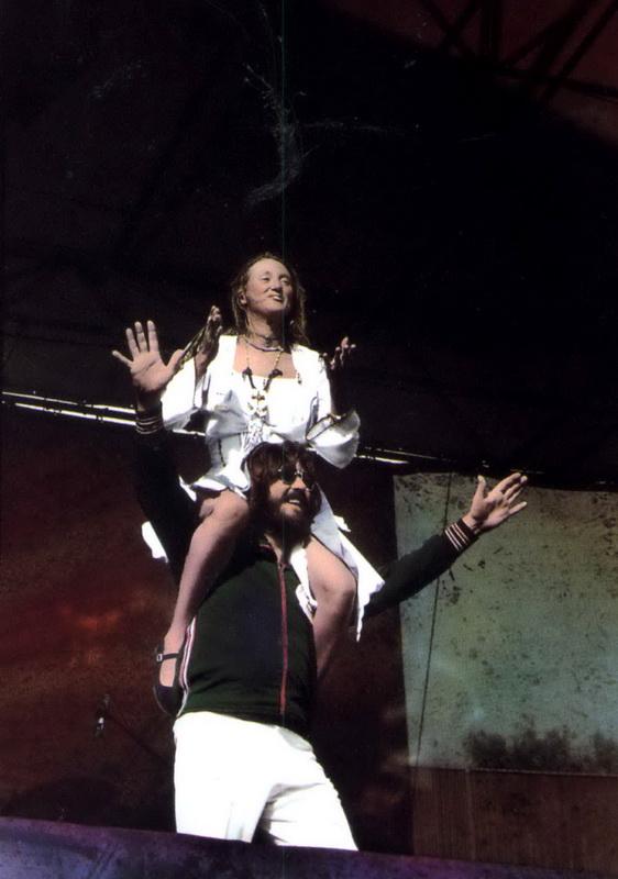 1977-07-24_JB_Oakland_Coliseum_by_Michael_Zagaris-01