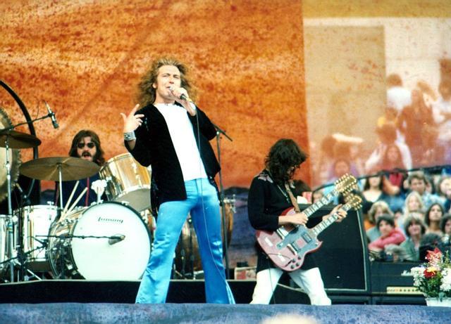John Bonham, Robert Plant, Jimmy Page, Oakland California 24 July 1977 01