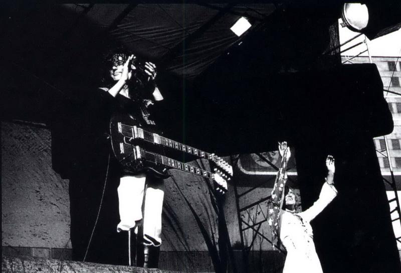 1977-07-24_JP_Oakland_Coliseum_by_Michael_Zagaris-05