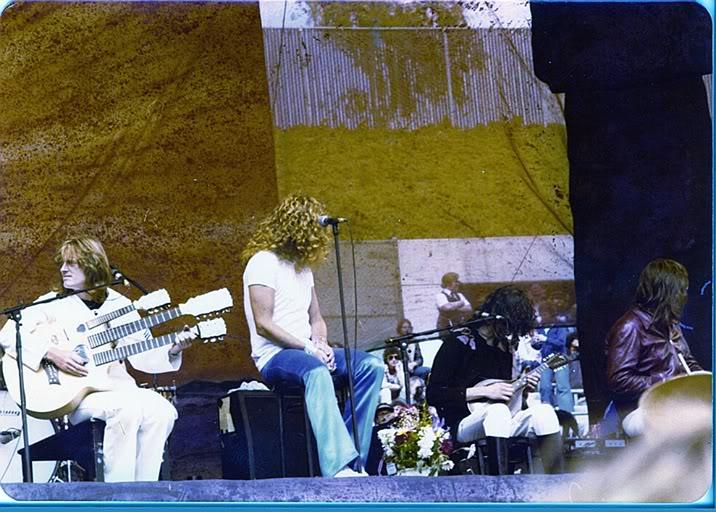 1977-07-24_LZ_Oakland_Coliseum-01