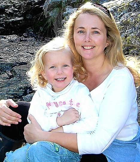 Gates Samantha and daughter Tallulah 2007