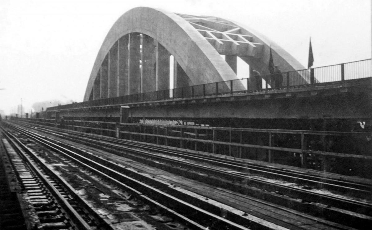 1935-11 Вид на Ленинград Вид нового моста с временного деревянного_pt