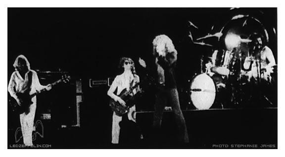 1977-06-03_LZ_by_Stephanie_James