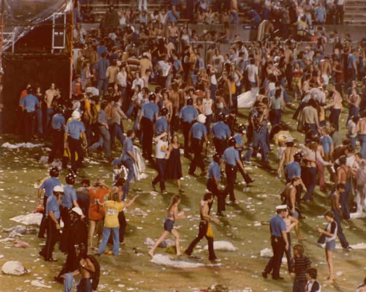 1977-06-03_riot-4