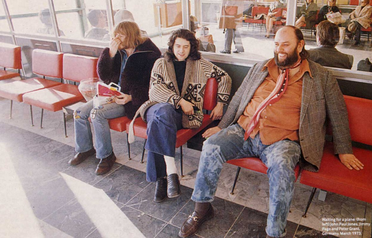 John Paul Jones, Jimmy Page, Peter Grant, Germany in airport. Foto by Wolfgang Heileman March 1973