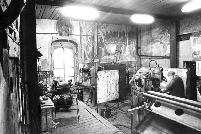 Интерьер храма в Павельцево. 1980-е гг. Фото из архива Спасского храма в Павельцево.