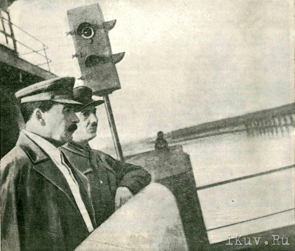 Сталин и Ягода на Перерве. Фото Л.Гесельберга.