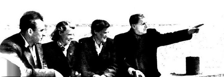 1952. А.Кочегаров (крайний справа) рассказывает своим ученикам о предстоящем открытии Волго-Донского судоходного канала