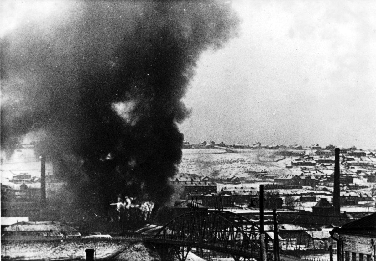 28 ноября 1941, первая половина дня, чуть позже предыдущего фото. Фото со стороны Перемиловской высоты. Изнационального архива Дании.