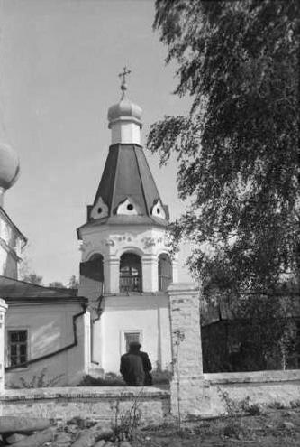 1950-е. Чашниково. Троицкая церковь. Колокольня. Вид с севера. Фото А.Г.Чинякова