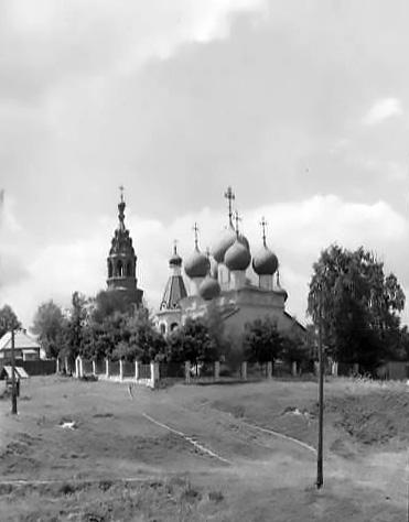 1970-е годы. Чашниково, Троицкая церковь. Фото Чуракова Михаила Михайловича (ГНИМА).