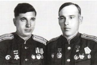 Штурман Семён Порфирьевич Чугуев и командир экипажа Павел Петрович Глазков, 1944 г.
