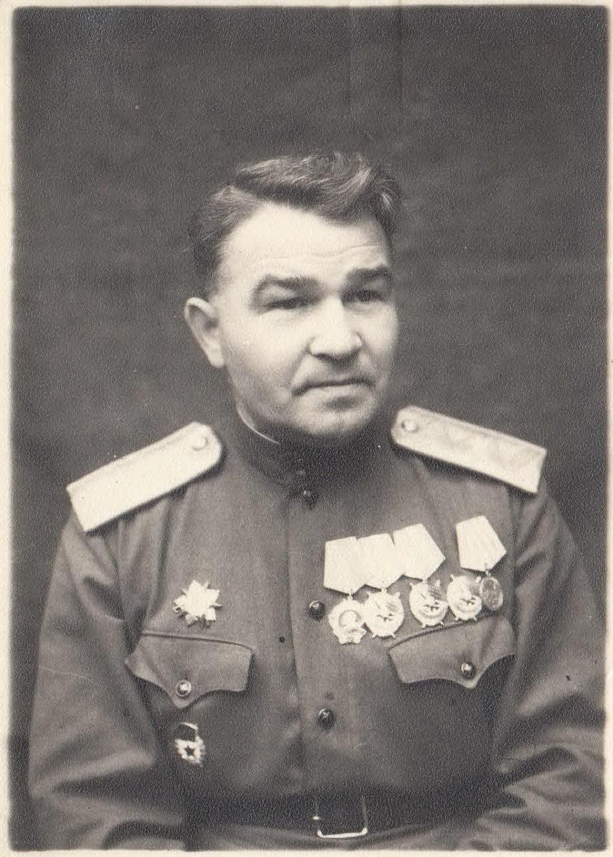 Генерал-майор Ф.М.Савелов в конце войны. Фото из архива семьи Савеловых.